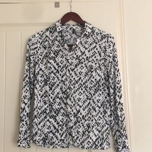 Tops - Divided H & M Black and White Button Down Size 2